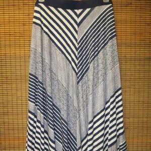 New Lane Bryant Plus Size 26/28 (3X) Maxi Skirt.